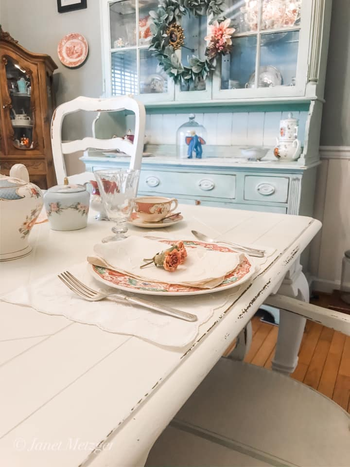 Dining Table painted in Old White Chalk Paint by Annie Sloan
