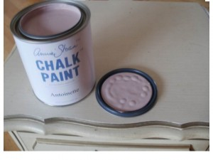 How To Make A Wash With Chalk Paint 174 Amp Stencil Tips