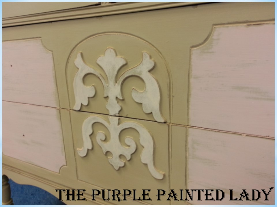 Versailles Antoinette dresser The Purple Painted Lady close up